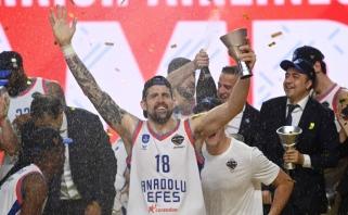 Netikėtas posūkis: su Stambulu jausmingai atsisveikinęs Eurolygos čempionas pratęsė sutartį