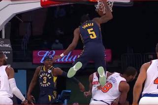 Randle'o prasiveržimas per visą aikštę bei Sabonio bendraklubio dėjimas – gražiausi NBA momentai