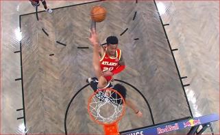 """Monstriškas """"Hawks"""" puolėjo dėjimas bei NBA žvaigždžių pasirodymai - naujametiniame dešimtuke"""