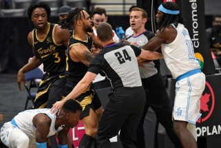 Harrellas – apie baudą už susistumdymą su Anunoby: NBA, grąžinkit mano pinigus!