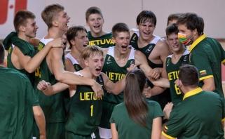 Spurtą 22:0 surengę lietuviai pusfinalyje po pratęsimo įveikė Rusiją