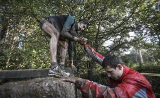 """Purvo, ištvermės ir komandinio darbo išbandymas - jaunieji žalgiriečiai įveikė """"Vilko taką"""""""