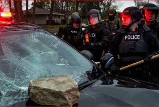 Dėl policijos nušauto juodaodžio nukeltos NBA rungtynės Mineapolyje