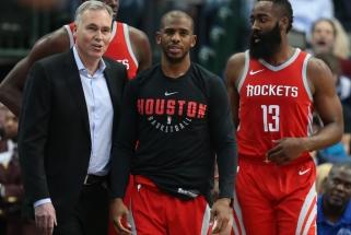 """T.McGrady: """"Rockets"""" nereikia visų iškeisti, D'Antoni turi pakeisti požiūrį į darbą su Hardenu"""