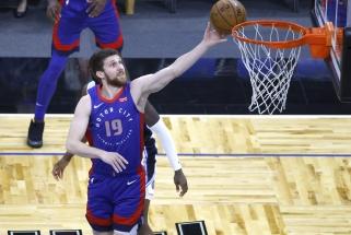 """""""Lakers"""" ukrainiečio nesusigrąžins – keliasi į """"Raptors"""""""