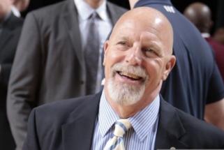 """Buvęs """"Lakers"""" treneris: LeBronas panašesnis į Robertsoną, nei į Jordaną, magicą ar Kobe"""