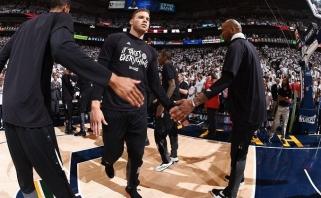 """""""Clippers"""" pavyko išlaikyti bent B.Griffiną"""