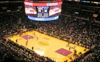 """""""Lakers"""" pratęsė sutartį su """"Staples Center"""" arena įspūdingam laikotarpiui"""