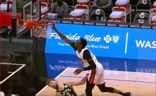 Dėjimas per Sabonį bei pergalingas blokas Wallui – NBA Top 10 viršūnėje