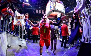 Liūdniausią naktį NBA istorijoje papuošė graudžiai simboliškas istorinis T.Youngo šou Atlantoje
