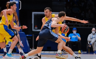 """""""Zeniit"""" sutriuškino  """"Maccabi"""" ir atsidūrė per žingsnį nuo ketvirtfinalio"""