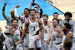 Gonzagos ekipą su Arlausku į NCAA finalą paskutinę sekundę išvedė fantastiškas tritaškis