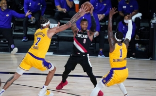 """""""Lakers"""" nesulaikė Lillardo ir startavo nesėkme, """"Rockets"""" laimėjo ir be Westbrooko"""