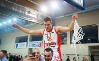 """Be lyderių žaidę NKL čempionai paskutiniu metimu įveikė """"Lietuvos ryto"""" dublerius"""