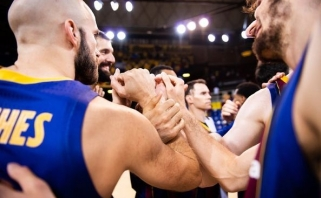 """Šaro """"Barca"""" nebejuokavo – tvirtu žingsniu nukeliavo į ACB lygos finalą"""